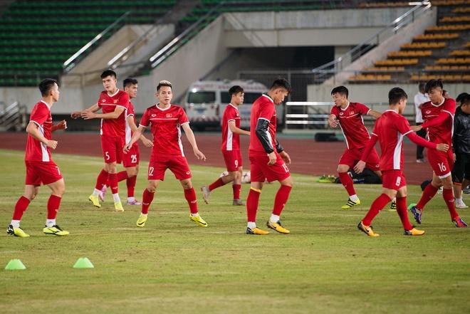 Bat ngo voi chieu cao cua DT Viet Nam tai AFF Cup 2018 hinh anh 3