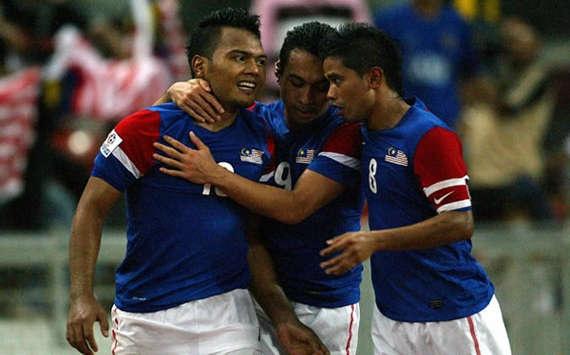 Bon cuoc doi dau kich tinh giua Viet Nam va Malaysia tai AFF Cup hinh anh 3