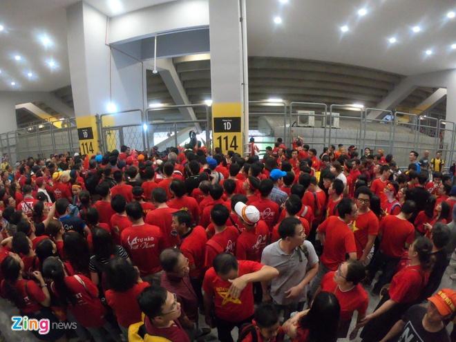 LDBD Malaysia dieu tra viec CDV Viet Nam khong the vao san Bukit Jalil hinh anh 1