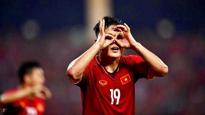 Fox Sports: 'Asian Cup la canh cua de Quang Hai vuon tam chau luc' hinh anh