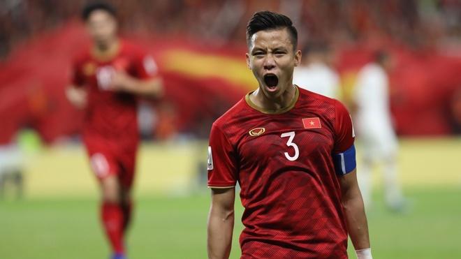Việt Nam vs Yemen (2-0, H2): Quế Ngọc Hải sút penalty ghi bàn