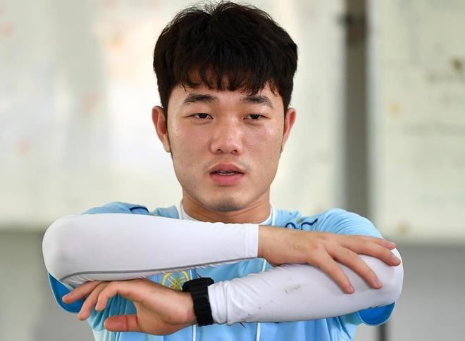 Xuan Truong rang ro tham gia thu thach dau tien tai Buriram United hinh anh 5