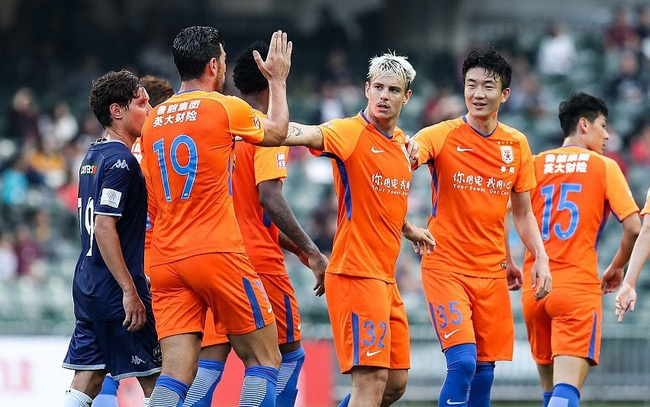CDV Trung Quoc danh gia thap CLB Ha Noi truoc them tran play-off hinh anh