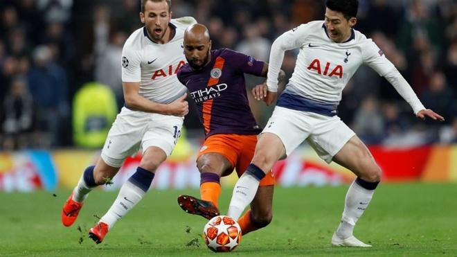 CDV Man City goi Fabian Delph la thang bat tai sau tran thua Tottenham hinh anh 1