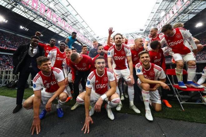 Sao tre rang ro trong ngay Ajax vo dich giai quoc gia Ha Lan hinh anh 4