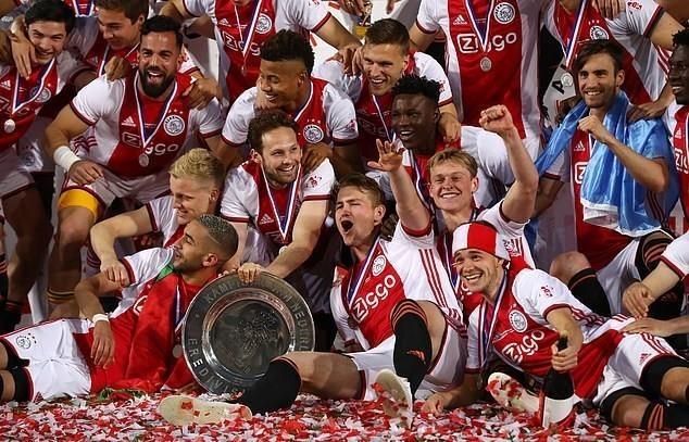 Sao tre rang ro trong ngay Ajax vo dich giai quoc gia Ha Lan hinh anh 5