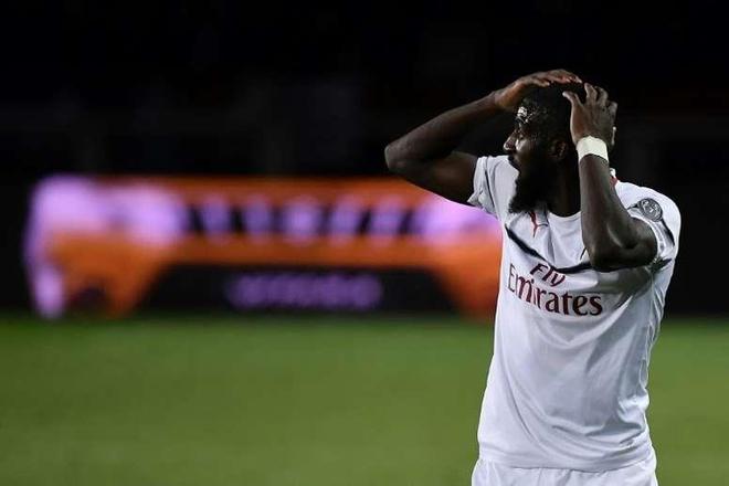 Hợp đồng thảm họa của Chelsea muốn được chơi bóng tại PSG