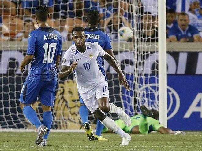 Tuyen Curacao xuat sac ha guc doi tung 3 lan tham du World Cup hinh anh 1