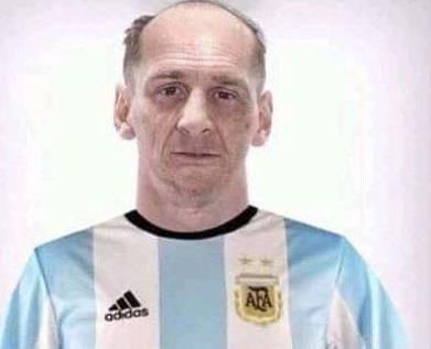 Hi hoa Messi 60 tuoi van cho doi danh hieu dau tien cung Argentina hinh anh 11
