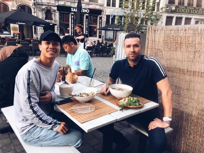 'Công Phượng không gặp khó khăn để làm quen cuộc sống tại Bỉ'