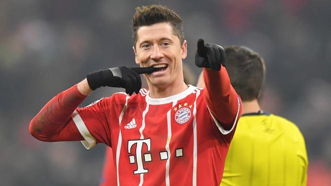 Cuoc dua Chiec giay vang chau Au: Ronaldo, Messi 'hit khoi' Salah hinh anh 7
