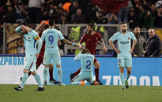 Barca sap co co hoi tra thu AS Roma hinh anh 1