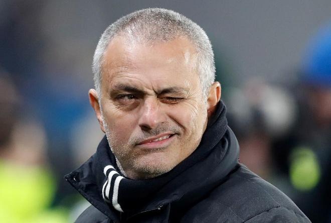 Mourinho va nhung pha 'da xoay' kinh dien ve phia cau thu MU hinh anh