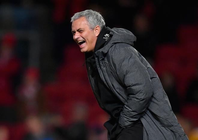 Mourinho va nhung pha 'da xoay' kinh dien ve phia cau thu MU hinh anh 1
