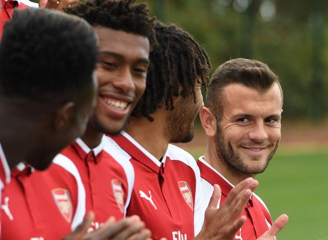 Cuoc 'dai phau' o Arsenal: 9 cau thu noi got Wenger? hinh anh