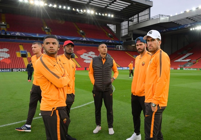 'Xong dat' Anfield, Roma san sang tu chien voi Liverpool hinh anh