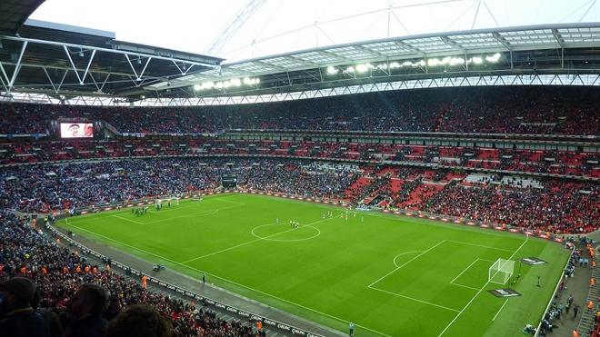FA chuan bi ban san Wembley cho ong chu CLB Fulham hinh anh 1