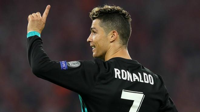 Ronaldo vuot Xavi, ap sat ky luc cua Casillas hinh anh 1