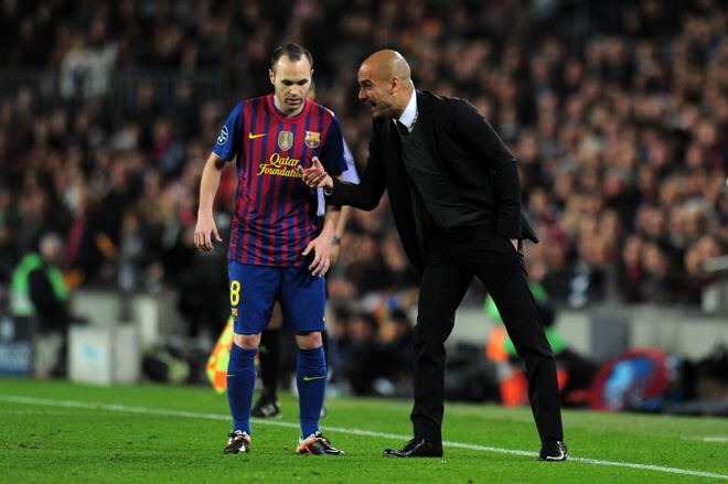 Pep Guardiola: 'Man City muon Iniesta la thong tin doi tra' hinh anh