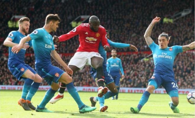 Cham diem MU 2-1 Arsenal: Sieu anh hung Fellaini s anh 11