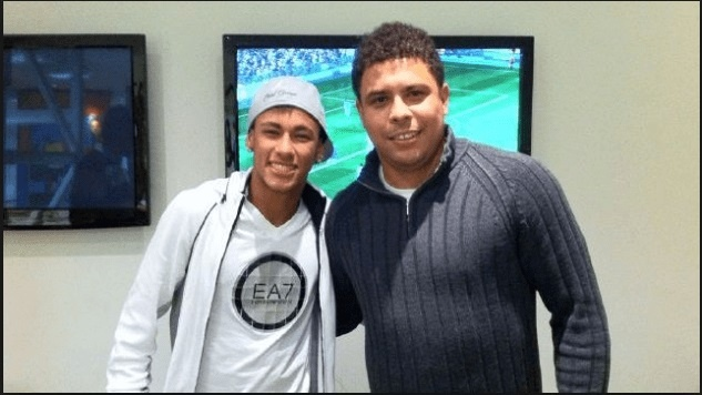 Ronaldo 'beo' khuyen Neymar khong nen gia nhap Real hinh anh 1