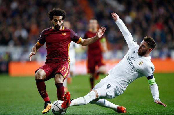 Sergio Ramos thach thuc Salah truoc tran dai chien hinh anh 1