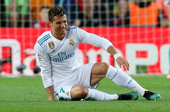 HLV Zidane: 'Mat ca Ronaldo sung to, nhung khong nghiem trong' hinh anh
