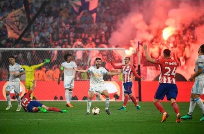 Sao DT Phap khoc nuc no sau chan thuong, nguy co lo World Cup 2018 hinh anh 11