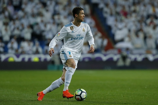 Xa street ben ban gai,  Ronaldo san sang cho chung ket Champions League anh 8