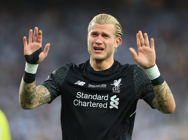 Liverpool tro ve Anh, Karius khong dam doi dien voi ong kinh hinh anh