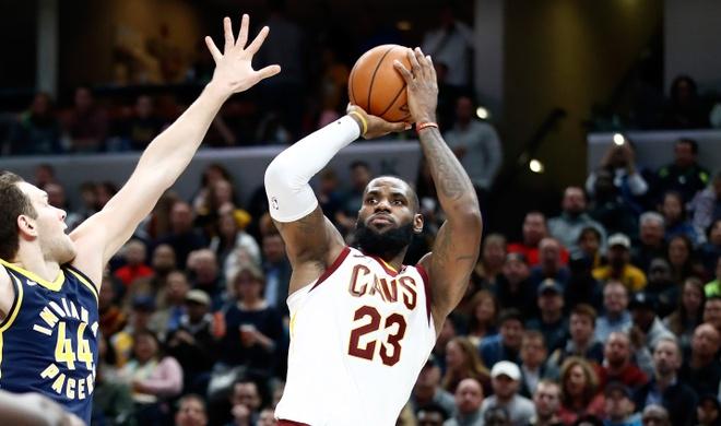 8 lan lien tiep vao chung ket, LeBron James xung danh vua cua NBA hinh anh