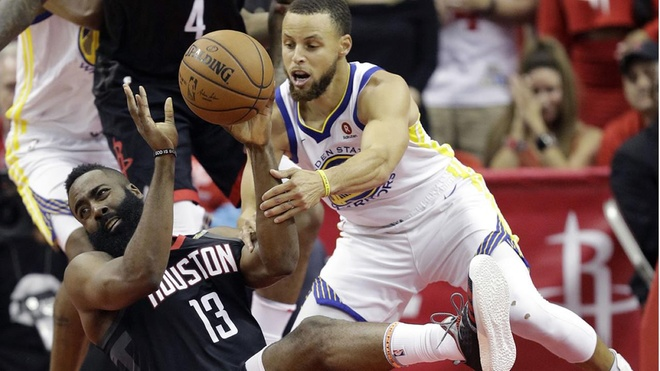 Ha guc Houston Rockets, Curry hen King James o chung ket NBA hinh anh