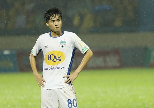HAGL thua CLB Quang Ninh 0-3, CLB Ha Noi thang Quang Nam 1-0 hinh anh