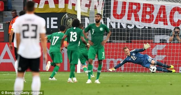 Doi tuyen Duc co tran thang 2-1 truoc khi len duong du World Cup hinh anh 8