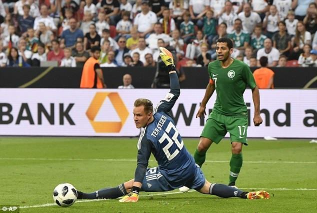 Doi tuyen Duc co tran thang 2-1 truoc khi len duong du World Cup hinh anh 7