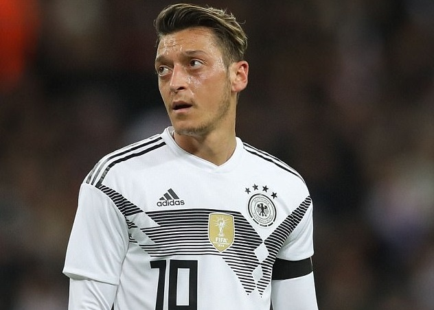 Mesut Oezil san sang tham du World Cup 2018 hinh anh