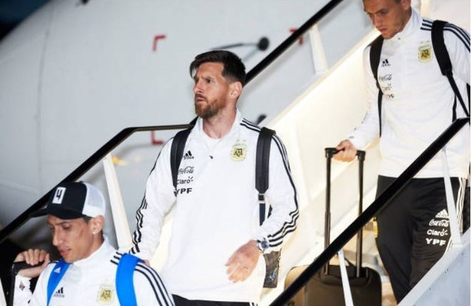 Lionel Messi cuoi tuoi khi den Nga chinh phuc cup vang hinh anh 4