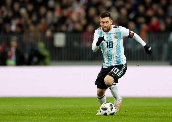 Lionel Messi cuoi tuoi khi den Nga chinh phuc cup vang hinh anh 10
