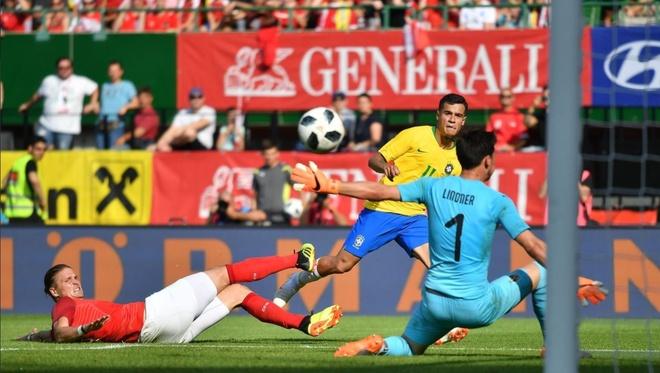 Brazil thang 3-0, Neymar ap sat thanh tich cua Ro 'beo' hinh anh 5