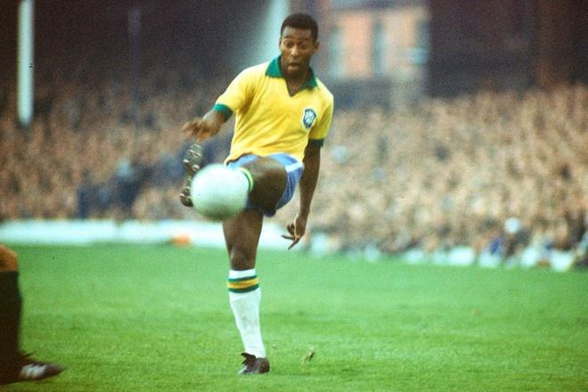 Brazil thang 3-0, Neymar ap sat thanh tich cua Ro 'beo' hinh anh 10