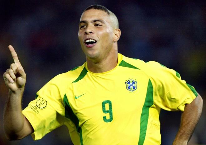 Brazil thang 3-0, Neymar ap sat thanh tich cua Ro 'beo' hinh anh 9