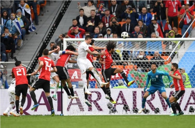 Uruguay thang Ai Cap trong ngay Suarez hoa ga he tren san hinh anh 10