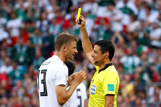Toni Kroos: 'Duc gap ap luc rat lon sau tran thua Mexico' hinh anh