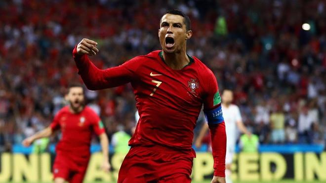 'Tu xuat sac khong du de dien ta Cristiano Ronaldo' hinh anh