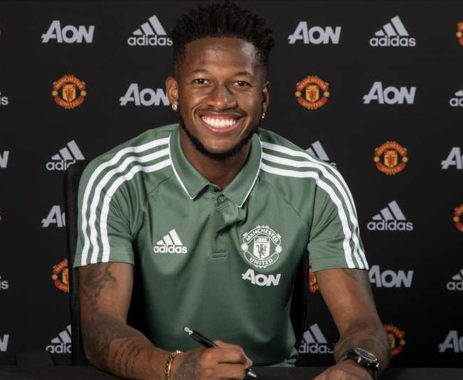 Fred chinh thuc cap ben Manchester United hinh anh