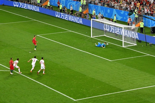 Sut hong penalty, Ronaldo thiet lap ky luc moi cho World Cup hinh anh 1