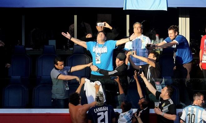 Huyen thoai Maradona bat chap suc khoe vi Argentina hinh anh