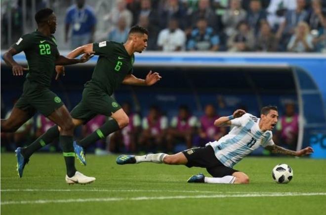 Cham diem Argentina 2-1 Nigeria: Diem 9 cho Lionel Messi hinh anh 9