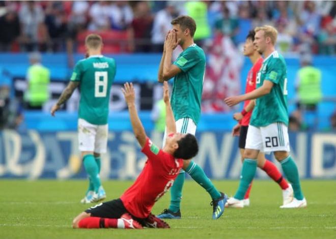 HLV, cau thu va CDV Duc cui dau tam biet World Cup 2018 hinh anh 4
