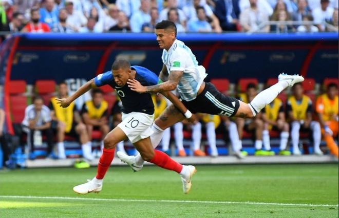 Mbappe tung chay gan bang Usain Bolt truoc khi hanh ha Argentina hinh anh